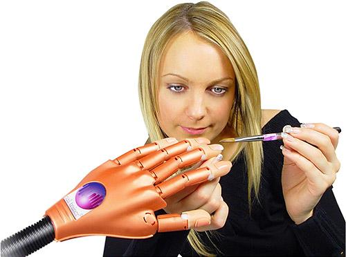 nail-trainer-diva-nails-1-1.jpg