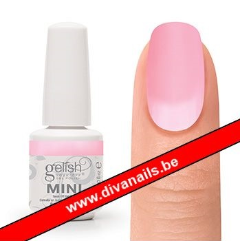 04266-gelish-you-re-so-sweet-you-re-giving-me-a-touthache-diva-nails.jpg