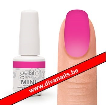 04341-gelish-mini-make-you-blink-pink-diva-nails.jpg